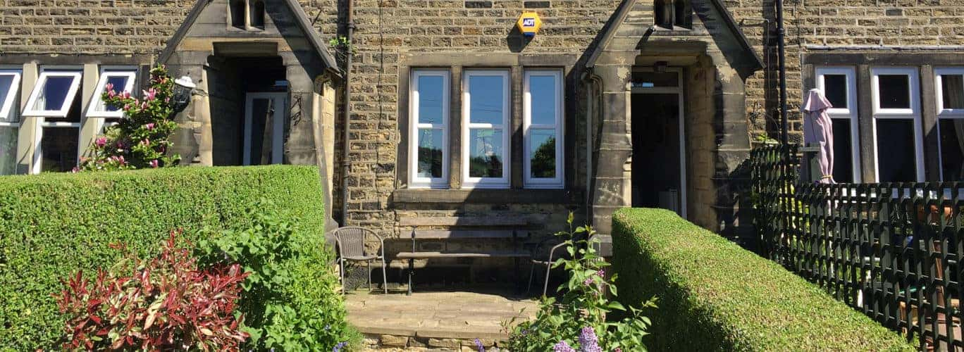 Incredible Holiday Cottage Halifax Dog Friendly Cottage Dyers Interior Design Ideas Apansoteloinfo